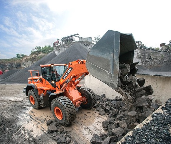 DOOSAN DL 420 - 5 HIGH LIFT